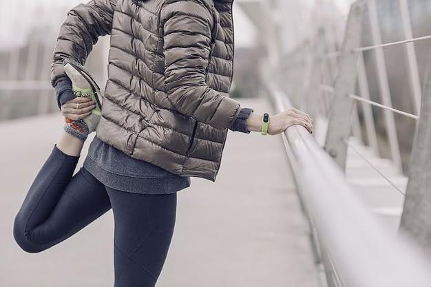 Calentamiento fisico general. Calentar con ropa de abrigo en invierno